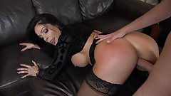 Bokep Nikki Capone – The Squirting Housewives